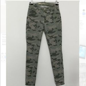 Old Navy Rock Star Mid Rise Skinny Pants Camo